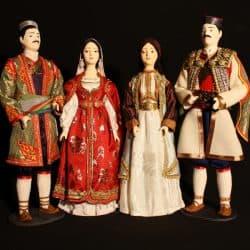 Черногорский национальный костюм в куклах